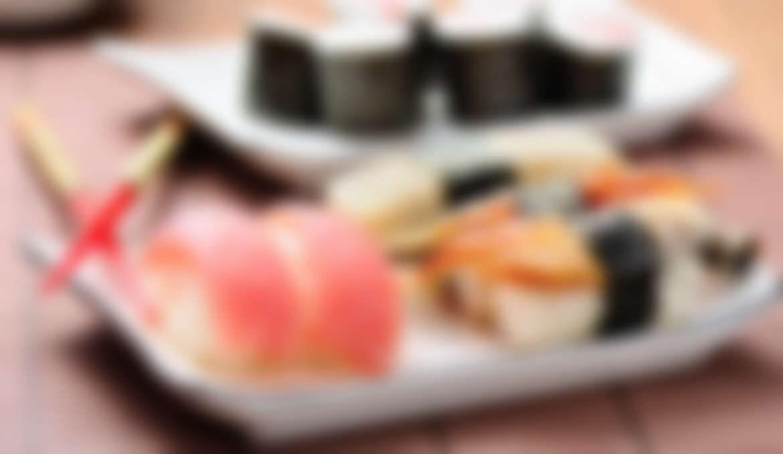 Salmon / Sake Sushi